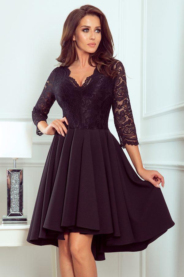 Čierne spoločenské šaty s čipkovaným výstrihom a asymetrickou sukňou