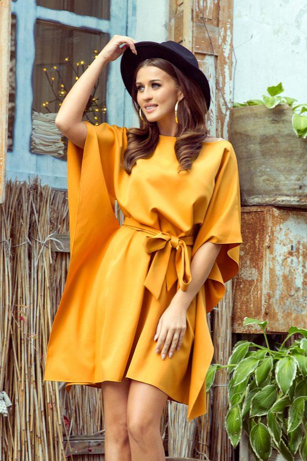 Medovo žlté krátke šaty s voľnými rukávmi a viazaním