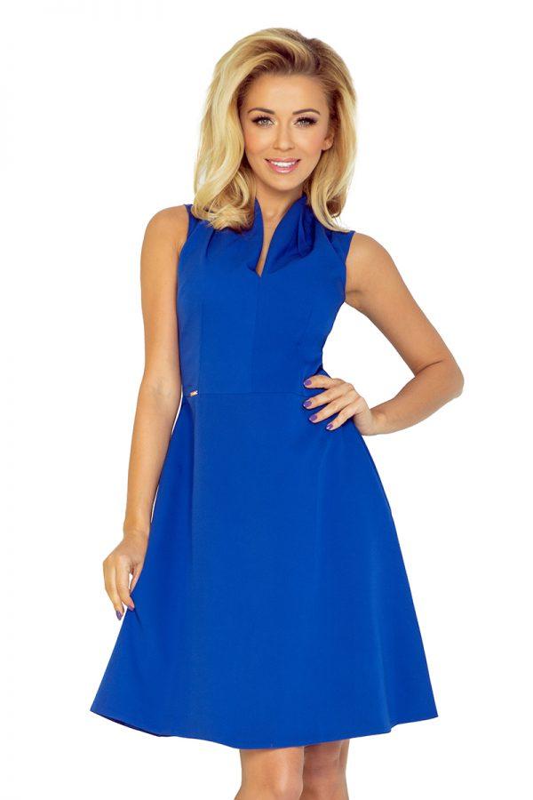 Modré šaty so stojatým golierom a výstrihom