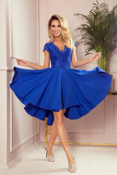 Modré krátke spoločenské šaty s čipkovaným výstihom