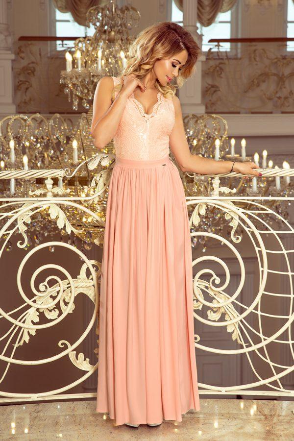 Pudrovo ružové spoločenské šaty s čipkovaným výstrihom