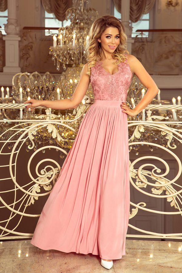 Pudrovo ružové spoločenské šaty s vyšívaným výstrihom