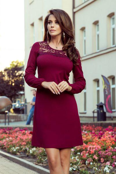 Vínové lichobežníkové šaty s čipkou
