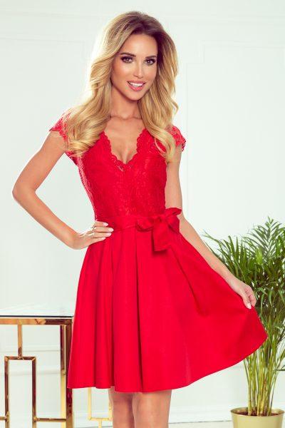 Červené elegantné rozšírené šaty s čipkovaným výstrihom