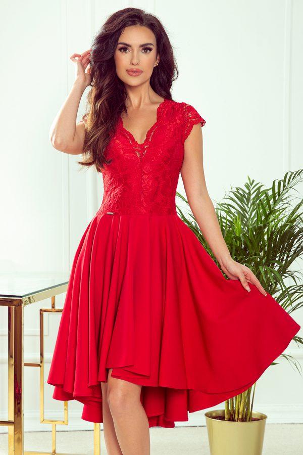 Červené krátke spoločenské šaty s čipkovaným výstihom