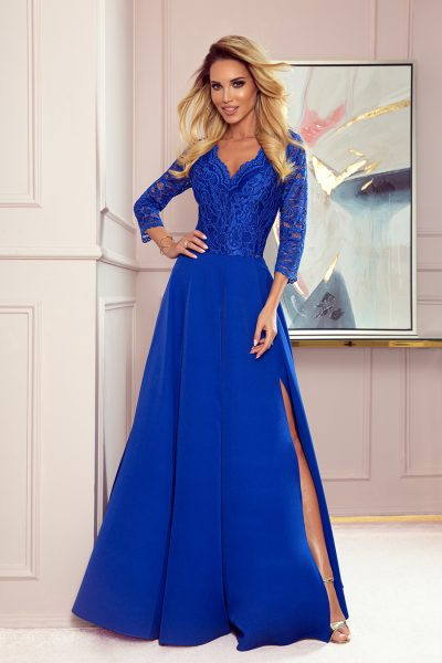 Modré elegantné dlhé čipkované šaty s výstrihom